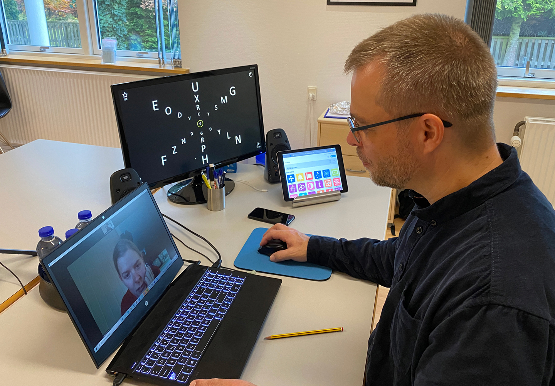 Functional Optometrist Thomas Kirkfeldt at work